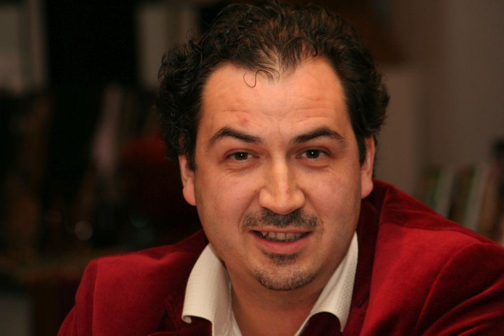 Alexander Peer