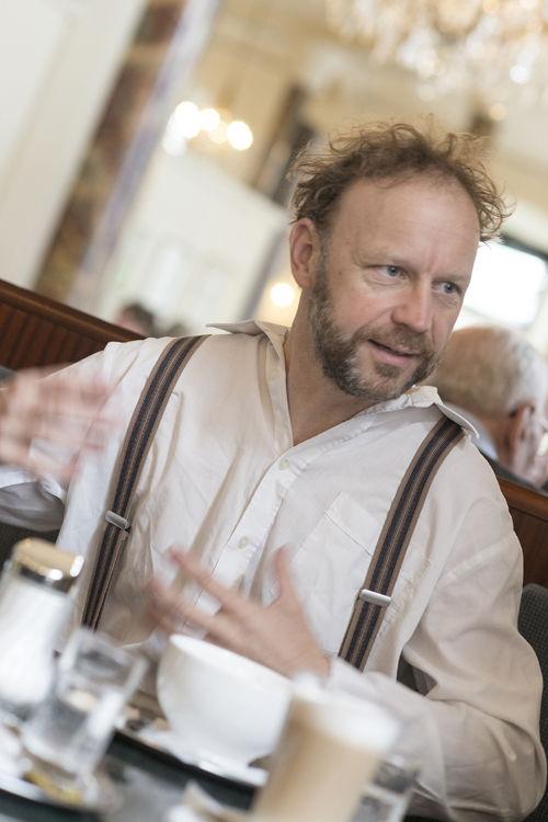 Mittwoch, 14.10.2015Thomas Gassner: Alphabet der Kindheit(in Kooperation mit der ubuntu-Kulturinitiative)20 Uhr Eremitage Schwaz